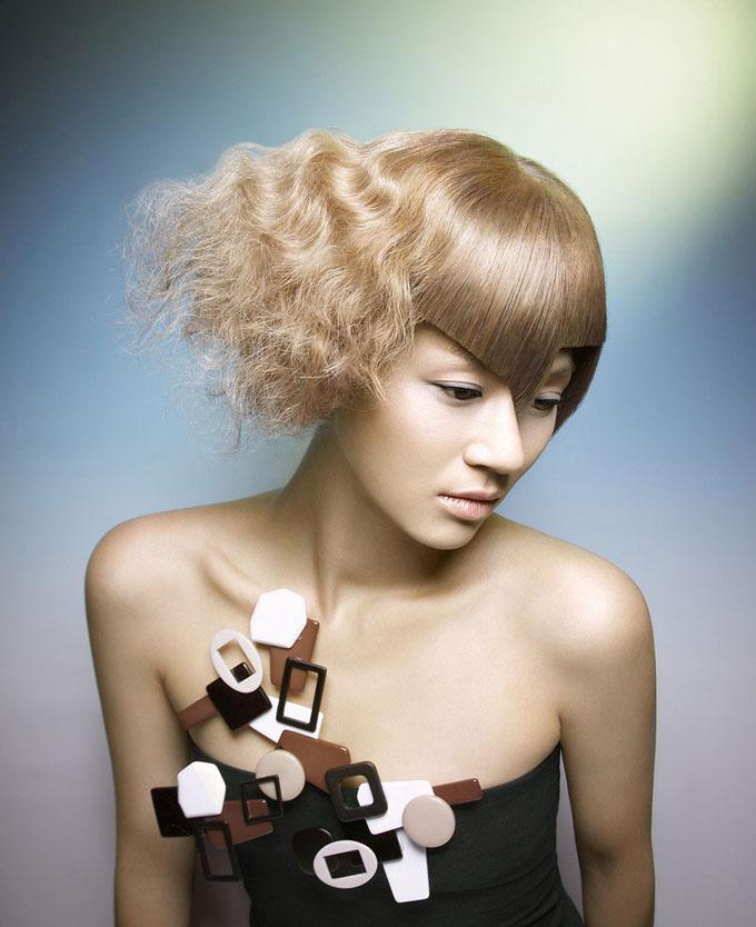 選擇搭配靚麗妝容的劉海