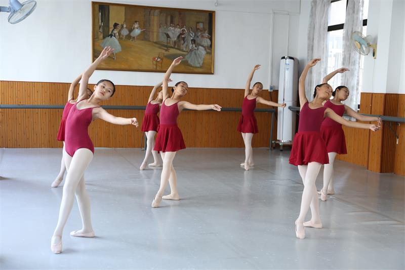 会展中心六级芭蕾舞培训班