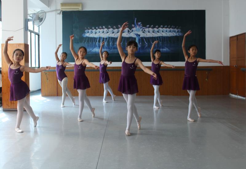 五级芭蕾舞培训班.JPG