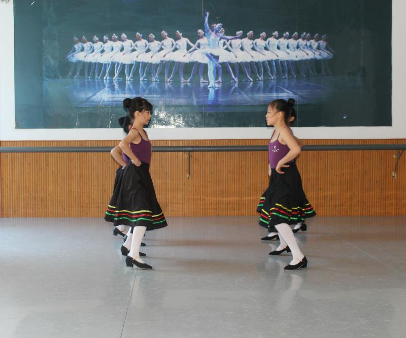 五级芭蕾舞培训班JPG