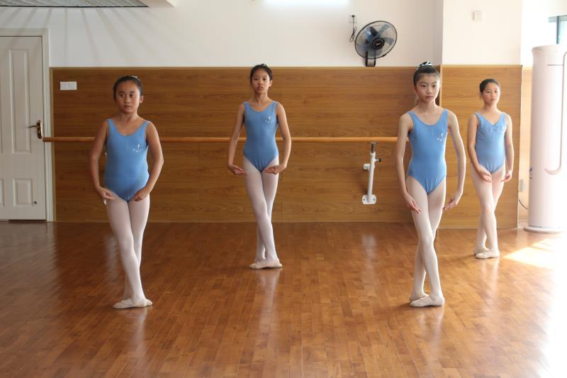 四级芭蕾舞培训班JPG