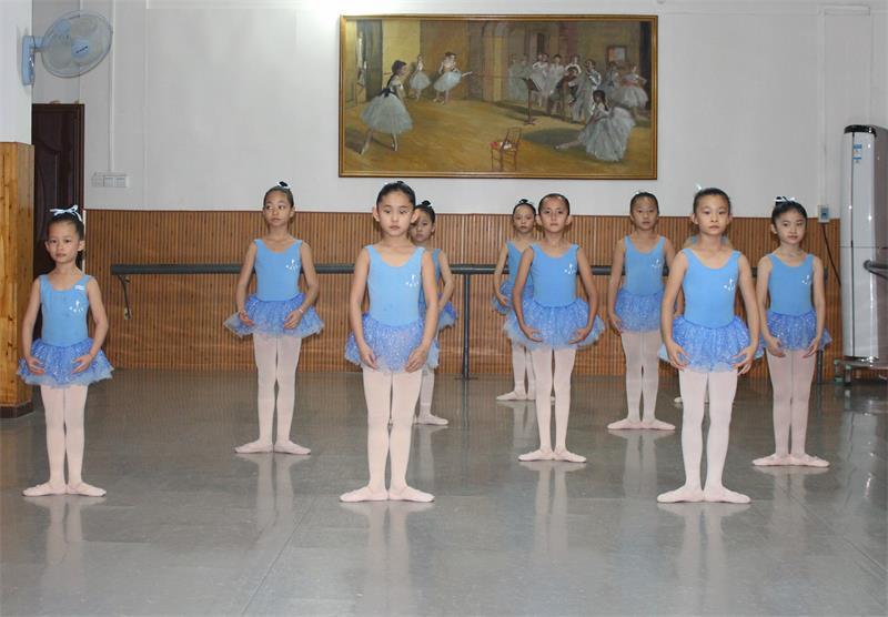 南宁三级芭蕾舞培训班JPG