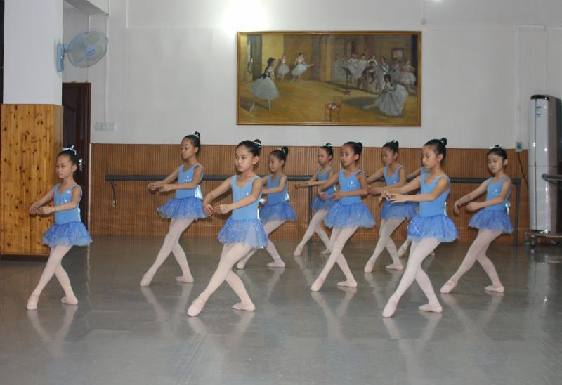 三级芭蕾舞.JPG