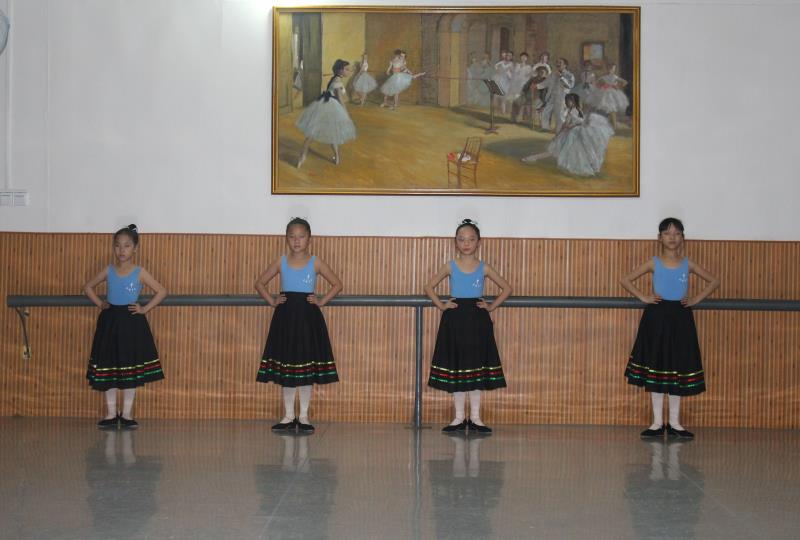 三级芭蕾舞培训班.JPG
