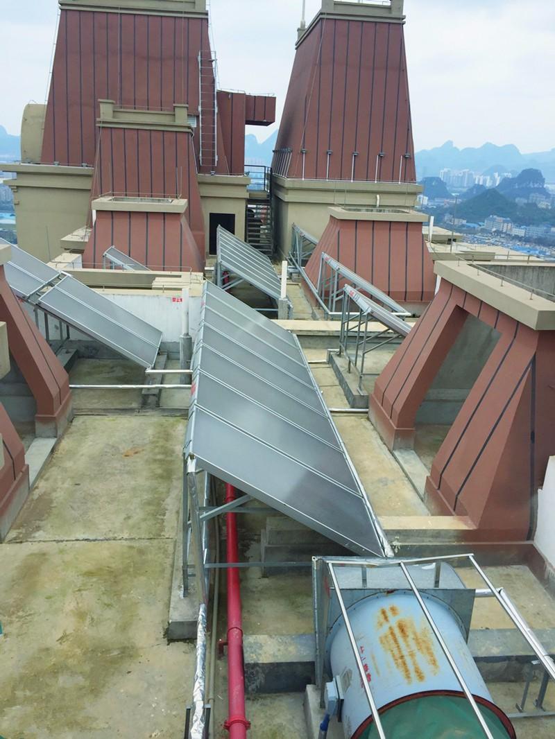 柳州恒大翡翠龍庭太陽能配空氣能熱泵熱水工程