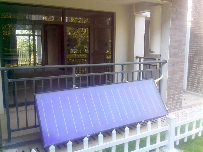 桂林联发旭景阳台壁挂式太阳能热水工程