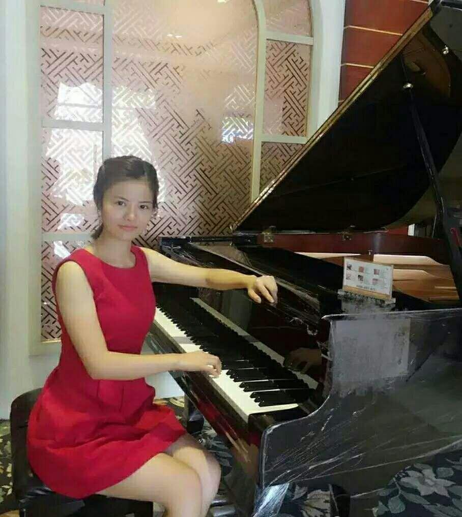 钢琴教师-蒋玲