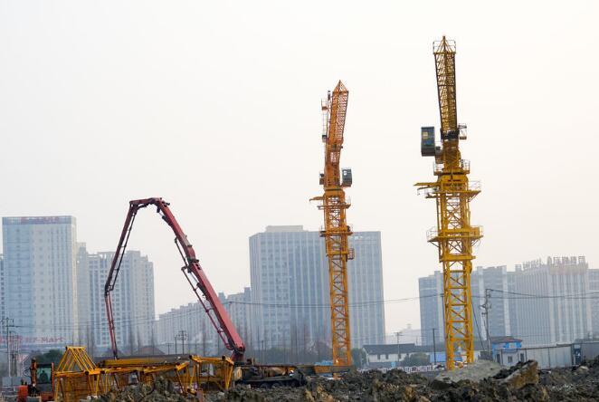 塔式起重机现场施工作业安全使用防护措施