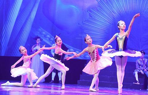 南宁芭蕾舞培训.jpg