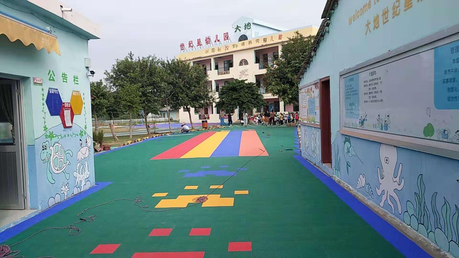 北海幼儿园悬浮地板施工中