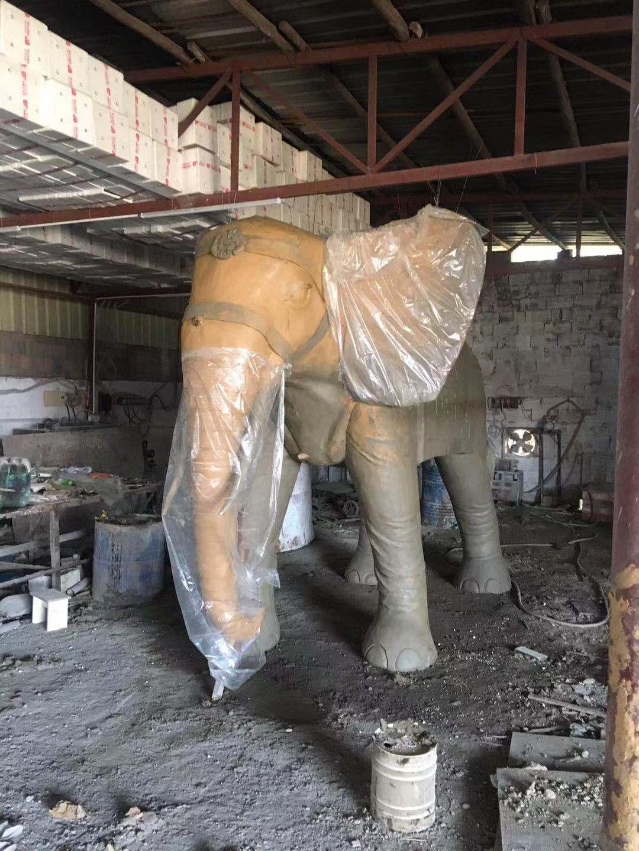 南寧玻璃鋼雕塑
