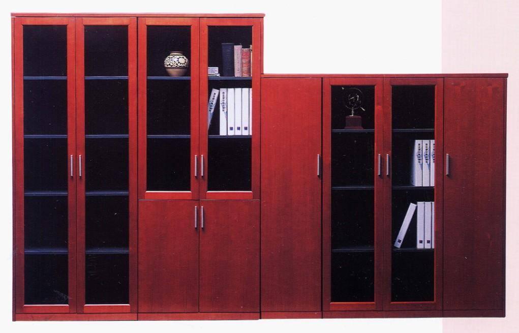 红色文件柜