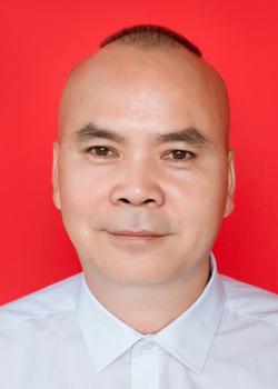 富英中学政教副主任庞健