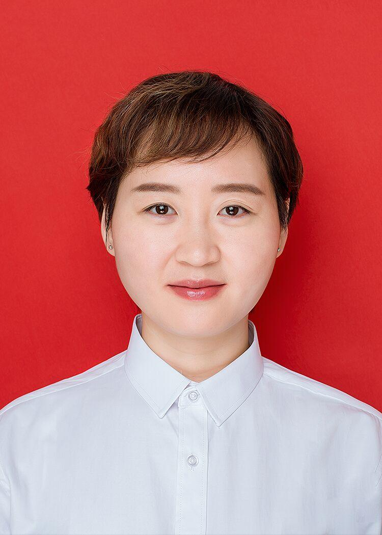 富英中学副校长李玲玲