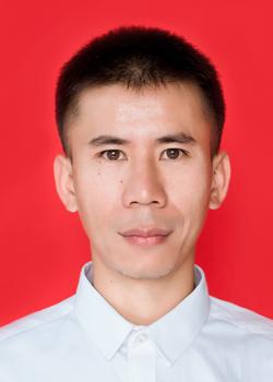 富英中学教学副主任廖保传