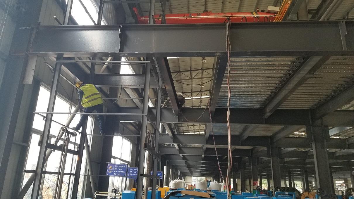 钢结构楼承板混凝土平台.jpg